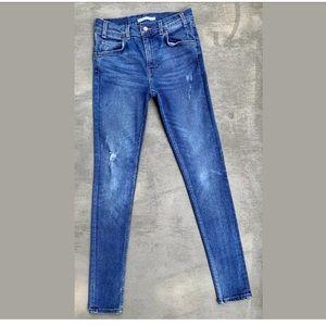 VTG High-Rise Levi's 721 Skinny Blue Jeans